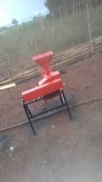 Triturador de pasto com quebrador de milho