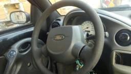 Ford ka tá parado n sei o que tem tava funcionado o carro não tem DUT não ok