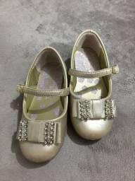 Vendo sapato Pampili e sandália nova Renner