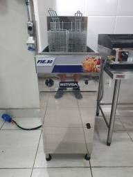Fritadeira METVISA FIE.30 02 meses de uso