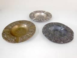 Cinzeiros Antigos em Bronze e Chumbo