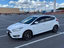 Ford Focus Titanium Aut 2017 com teto