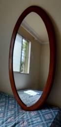Espelho com moldura de madeira maciça  grande
