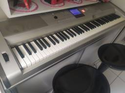 Teclado Yamaha DGX 505
