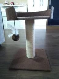 Cama e arranhador para Gato