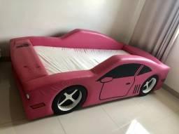 Cama carro almofadada