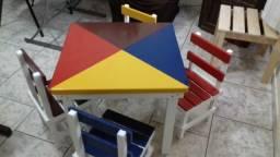 Jogo de mesa infantil madeira