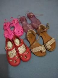 Vendo sapatilha do Pimpolho e sandália molequinha todos bem conservado