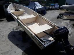 Barco com motor - 2000