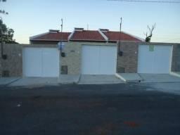 CA1812 Casas planas com 2 quartos, 1 vaga de garagem, Centro de Cascavel- CE