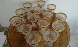 14 Taças (ou taça para sobremesa) Antiguidade / Bico de Jaca Pesado / Borda dourada ouro /