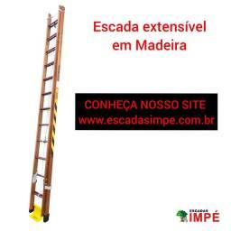 Escada em Madeira tamanho 3,90 x 6,60 mts