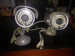 Duas Câmeras de Segurança CFTV 1000 IR Day&Night