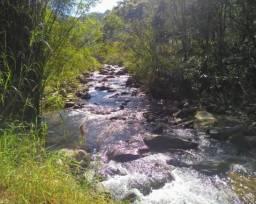 3 alq pé da serra da mantiqueira com rio e sede 320 m²