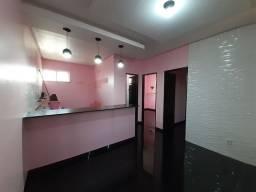 Alugo Apartamento com piscina particular em Condomínio Fechado