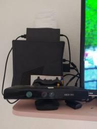Xbox 360 c kintect e controle - troco celular pago diferença
