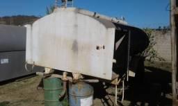 Implemento Tanque Pipa 3000L com motor carburado