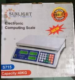 Balança digital nova pesa até 40kg ótimo preço