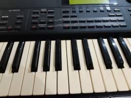 Teclado  Roland xp80 com case