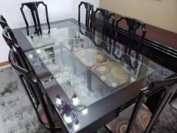 Conjunto completo de sala de jantar e aparador