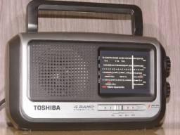 Radio Toshiba 4 band 110/220v novo na caixa um dos melhores do Mercado