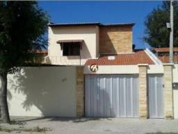 Casa à venda por R$ 750.000,00 - Edson Queiroz - Fortaleza/CE