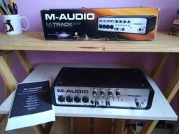 Placa de som profissional M-Audio M-track quad