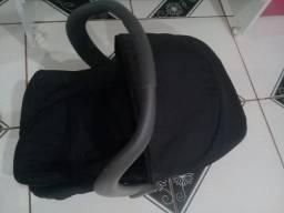 Bebê conforto 140,00 míni berço 130,00