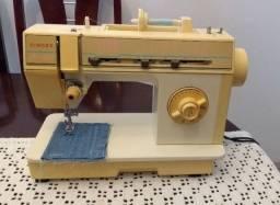 Maquina de Costura Singer Harmonie 3200C, em ótimo estado, um ponto bem regulado