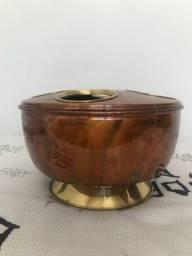 Champanheira classica em cor de cobre