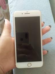 Vendo IPhone 7 Plus 128gb  *Leia*
