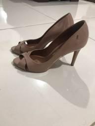 Sapato Santa Lolla seminovo