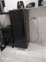 Vendo geladeira Eletrolux em perfeito estado