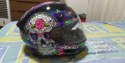 Vende-se capacete axxis