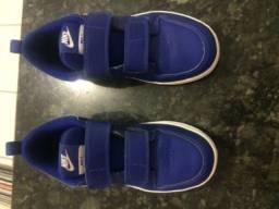 Tênis Nike couro