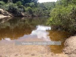 Fazenda em Santana do Riacho com o Rio Cipó Passando nos Fundos
