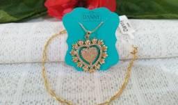 Colar e Pingente Coração Flor Cravejado com Zirconias Folheado a Ouro 18K Semijoia