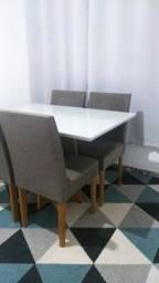 Mesa de janta em vidro 4 cadeiras semi novo