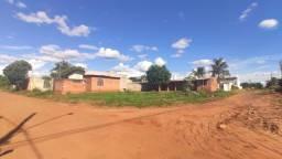 Alugo casa lagoa dourada R$ 700,00