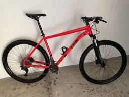 Bicicleta Caloi aro 29 Explorer Expert