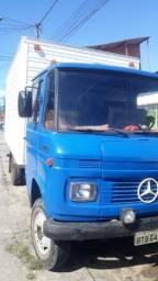 Vendo caminhão Mercedes baú 608