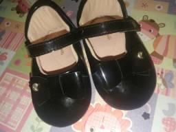 2 pares de sapatinhos - LEIA