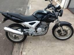 Vendo twister 250cc - 2005