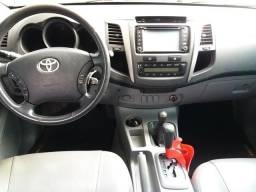 Toyota Hillux para pessoa exigente - 2011
