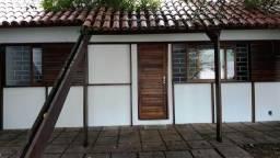 Saraju vende casa térrea com 3 dormitórios no Rebouças. Ref. 721.19SJ