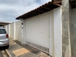 Título do anúncio: Casa com 3 dormitórios e amplo quintal em Araras-SP