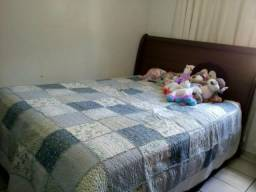 Linda cama de casal vintage