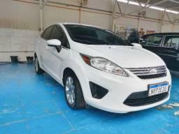 New Fiesta Sedan SE 1.6 2011 - 2011