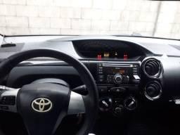 Toyota Etios 1.5 XLS completo