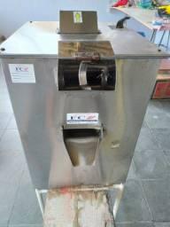 Maquina de Caldo de Cana Elétrica Luxo Inox FC-200